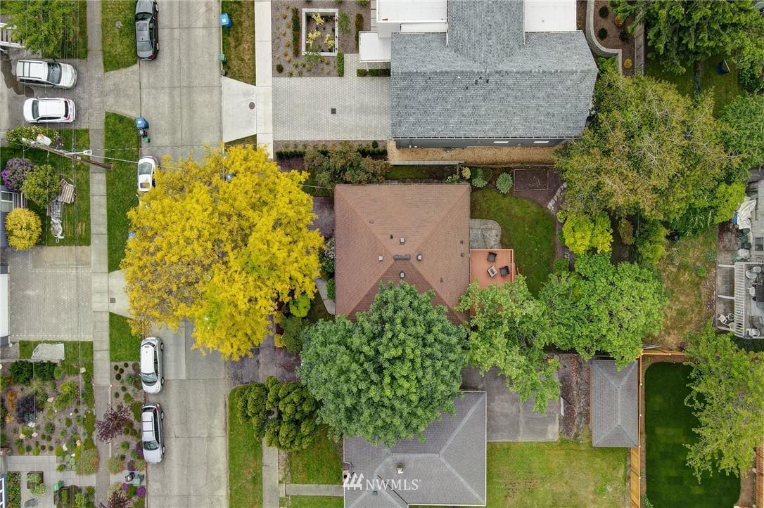 Sold Property | 7343 23rd Avenue NE Seattle, WA 98115 3