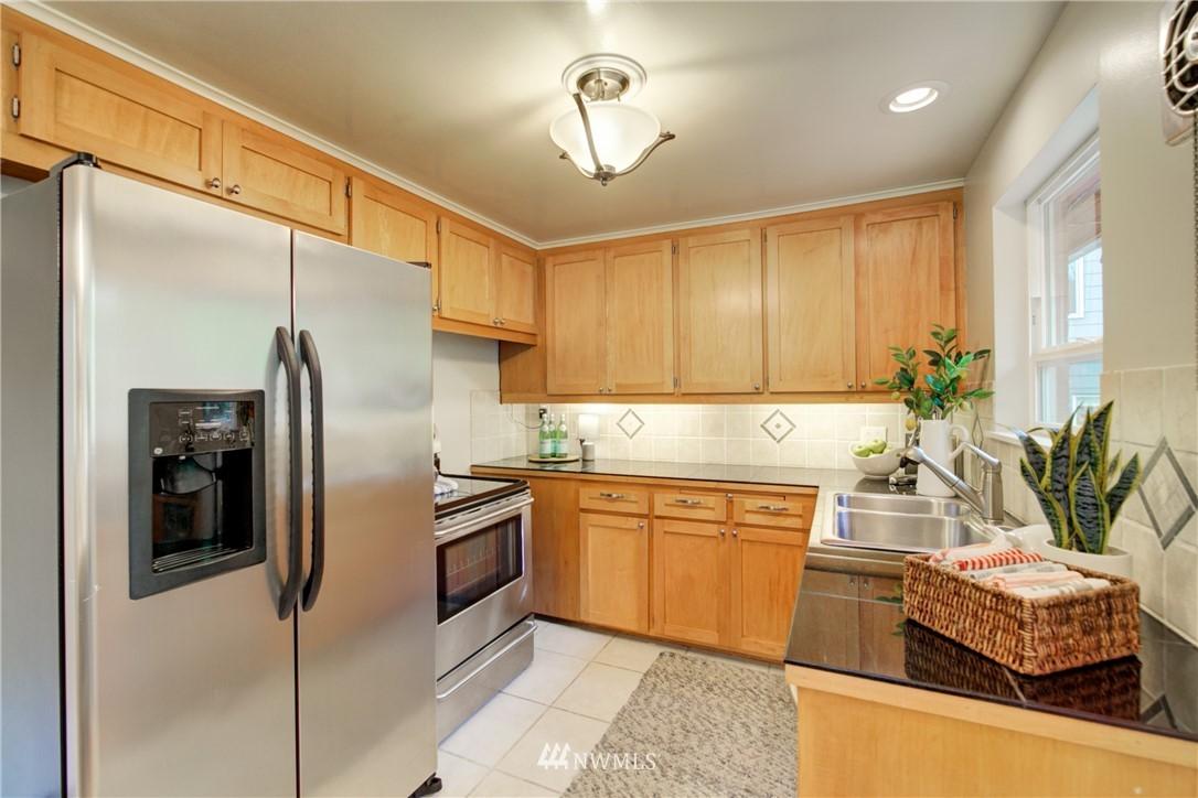 Sold Property | 7343 23rd Avenue NE Seattle, WA 98115 8