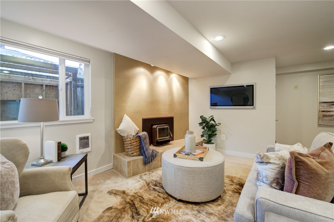 Sold Property | 7343 23rd Avenue NE Seattle, WA 98115 13