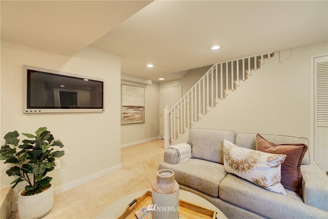 Sold Property | 7343 23rd Avenue NE Seattle, WA 98115 18