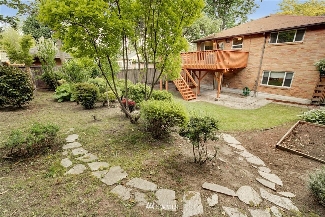 Sold Property | 7343 23rd Avenue NE Seattle, WA 98115 23