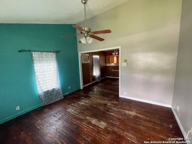 Pending | 215 KOEHLER CT San Antonio, TX 78223 1