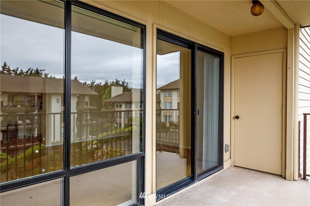 Sold Property | 13229 Linden Avenue N #406B Seattle, WA 98133 33