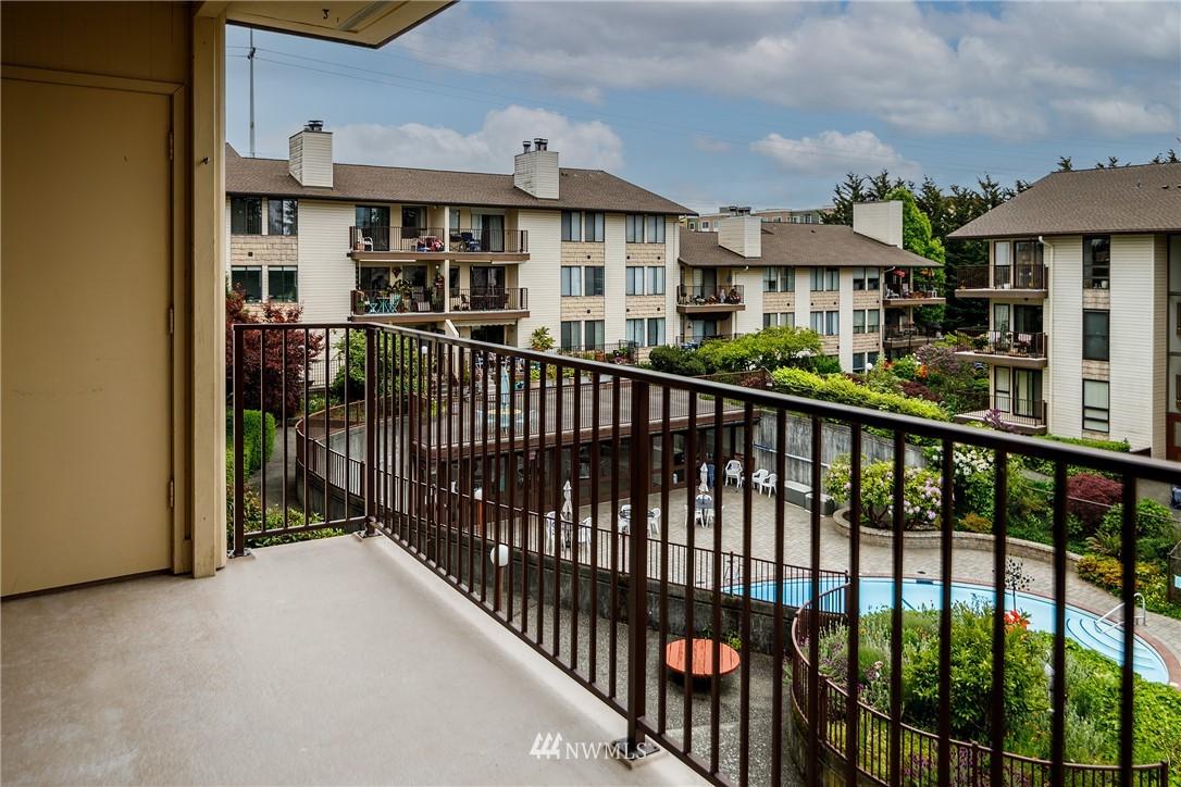 Sold Property | 13229 Linden Avenue N #406B Seattle, WA 98133 3