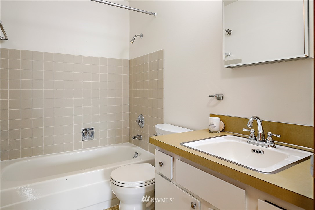 Sold Property | 13229 Linden Avenue N #406B Seattle, WA 98133 16