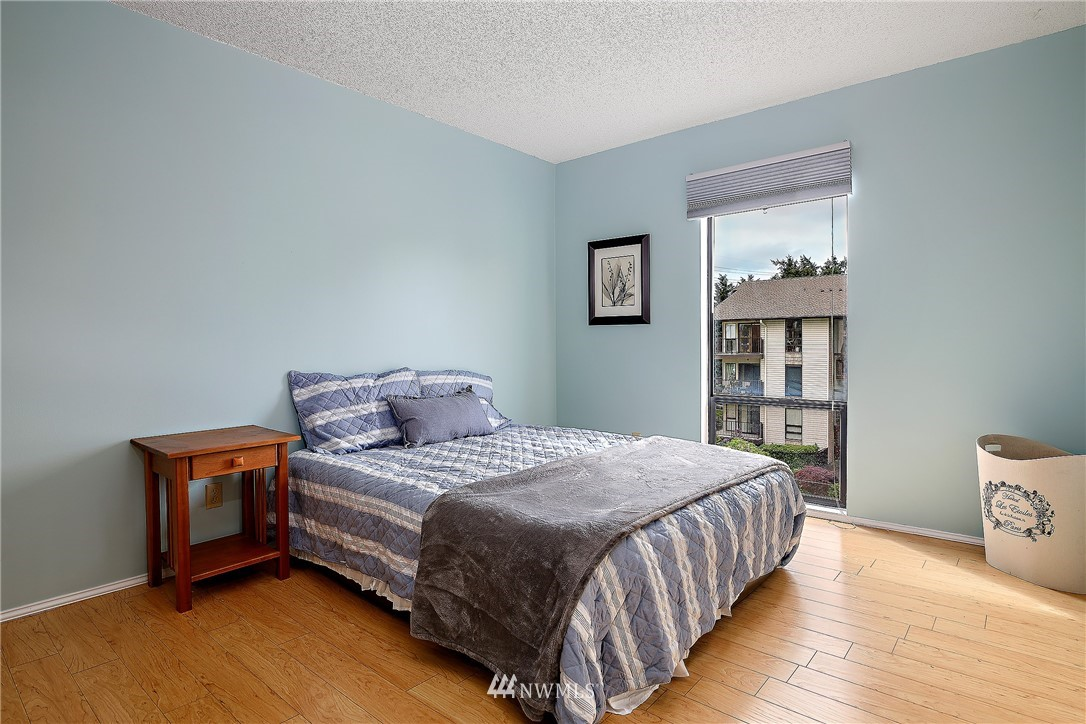 Sold Property | 13229 Linden Avenue N #406B Seattle, WA 98133 11