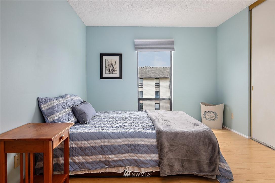 Sold Property | 13229 Linden Avenue N #406B Seattle, WA 98133 12