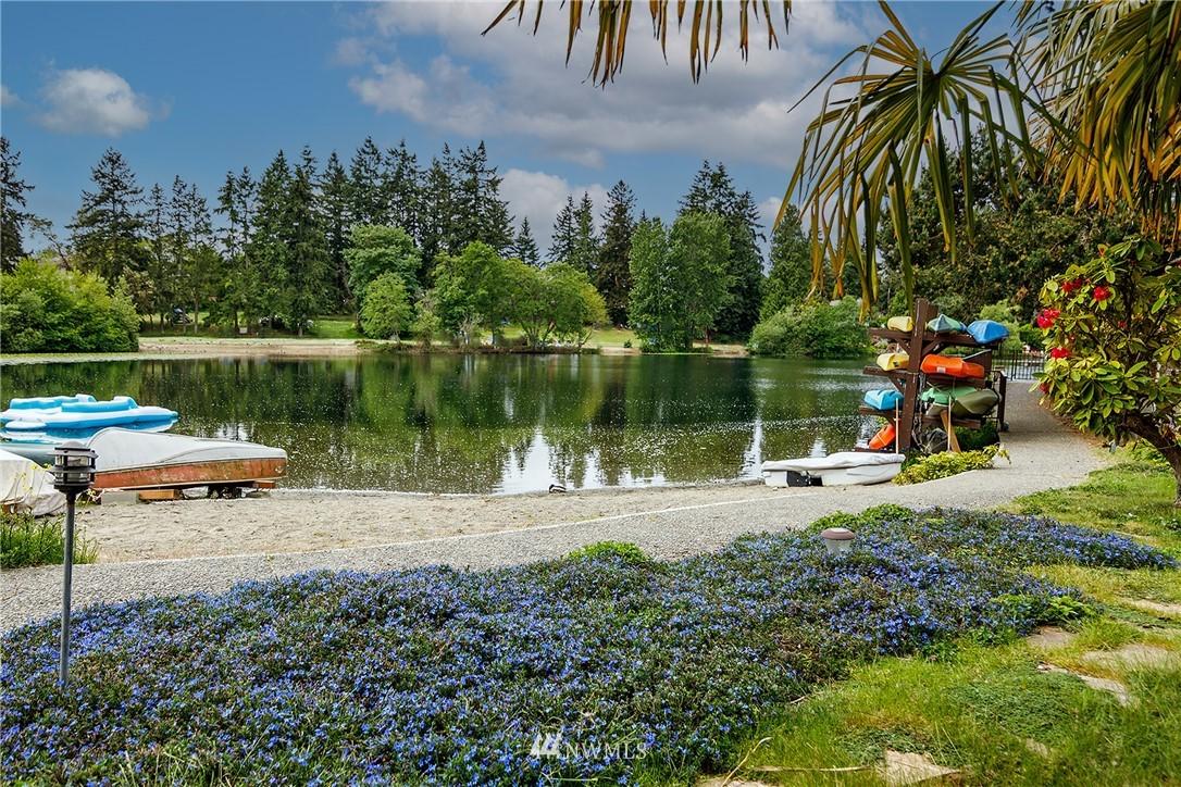 Sold Property | 13229 Linden Avenue N #406B Seattle, WA 98133 20