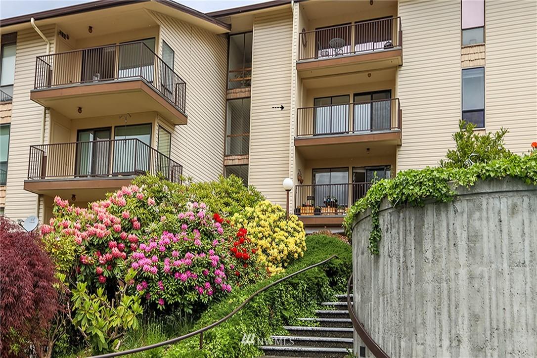 Sold Property | 13229 Linden Avenue N #406B Seattle, WA 98133 1