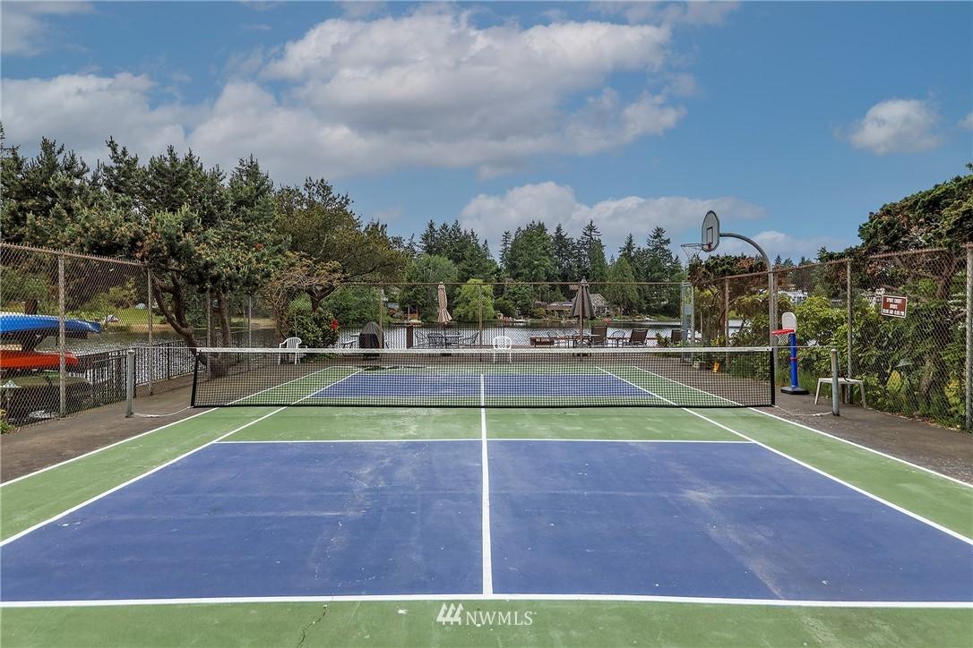 Sold Property | 13229 Linden Avenue N #406B Seattle, WA 98133 29