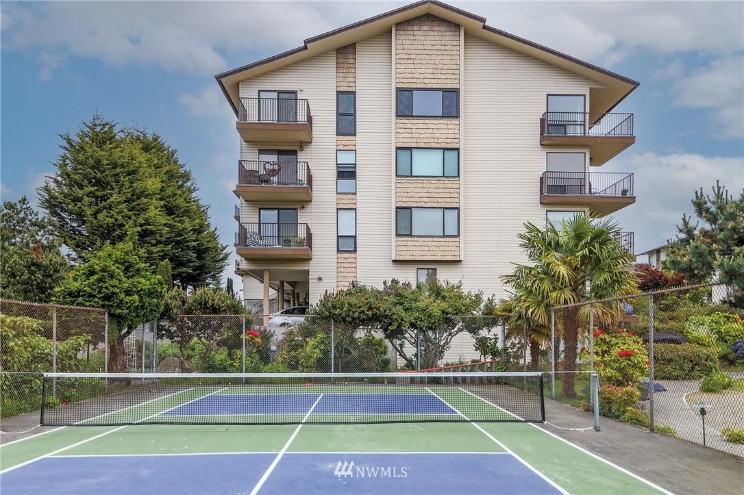 Sold Property | 13229 Linden Avenue N #406B Seattle, WA 98133 30