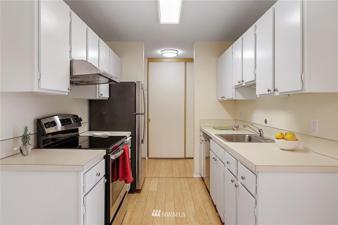 Sold Property | 13229 Linden Avenue N #406B Seattle, WA 98133 5