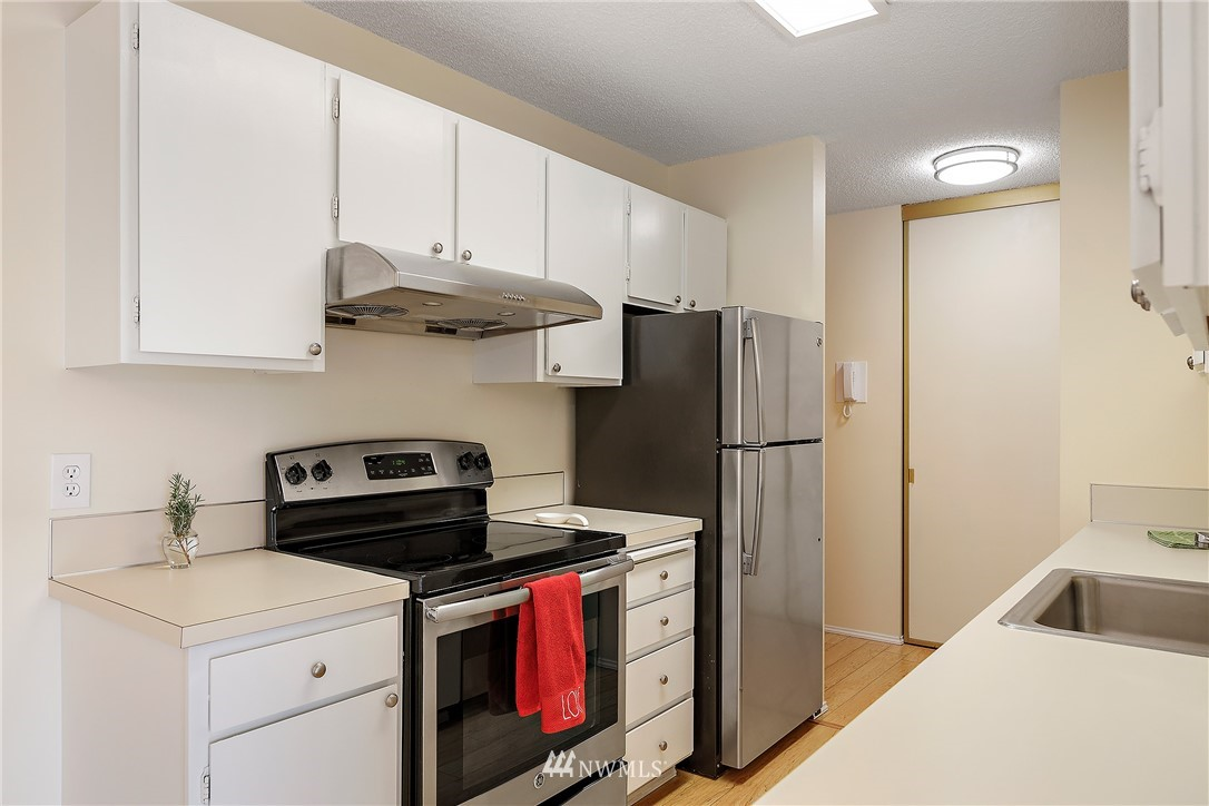 Sold Property | 13229 Linden Avenue N #406B Seattle, WA 98133 4