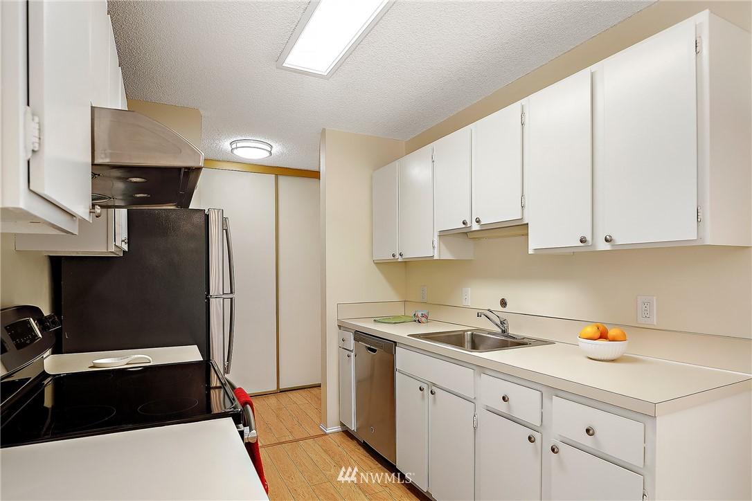 Sold Property | 13229 Linden Avenue N #406B Seattle, WA 98133 7