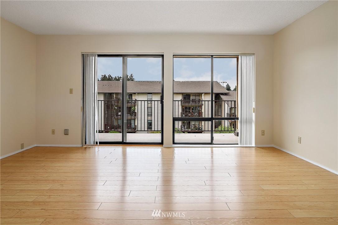 Sold Property | 13229 Linden Avenue N #406B Seattle, WA 98133 9