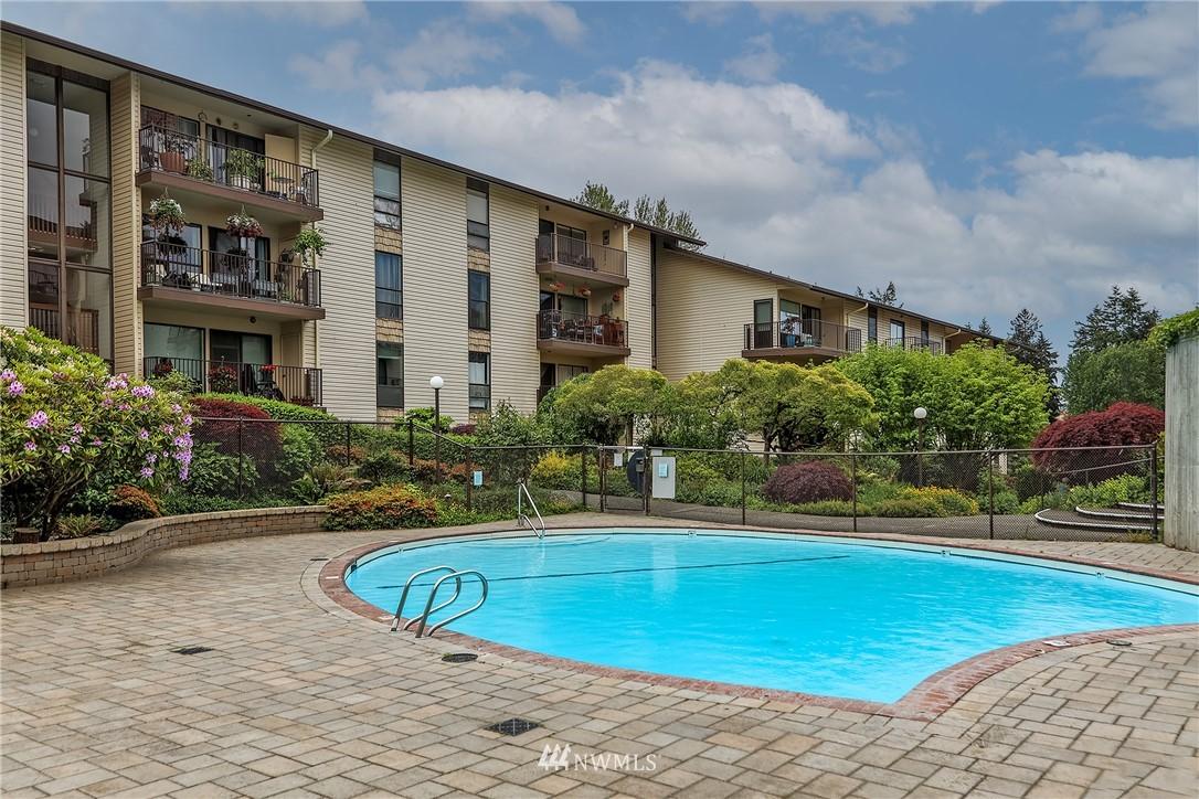 Sold Property | 13229 Linden Avenue N #406B Seattle, WA 98133 17