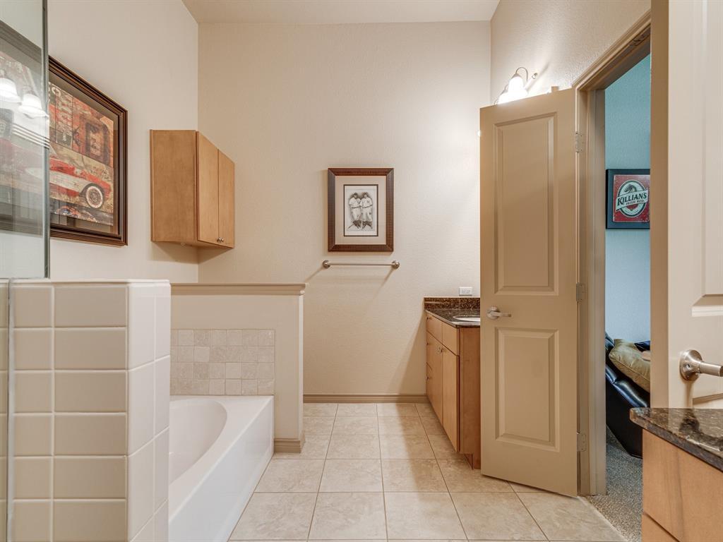 Active Option Contract | 1207 Beaconsfield Lane #404 Arlington, Texas 76011 16
