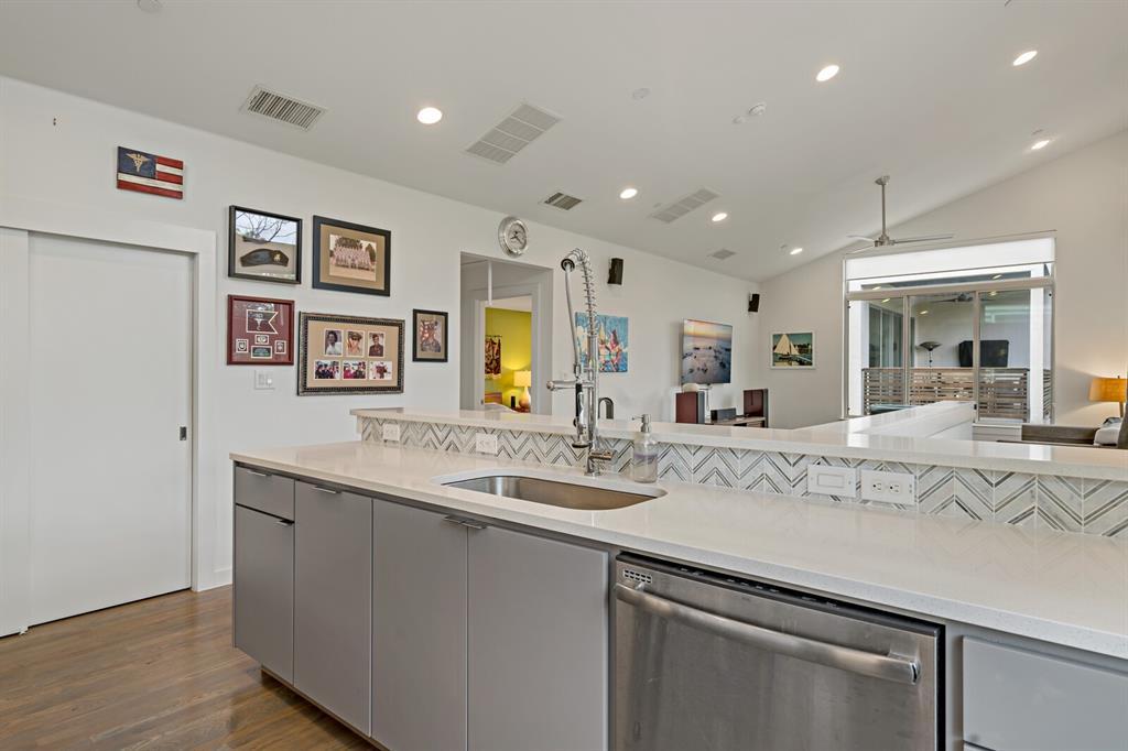 Sold Property | 1833 Euclid Avenue #5 Dallas, Texas 75206 15