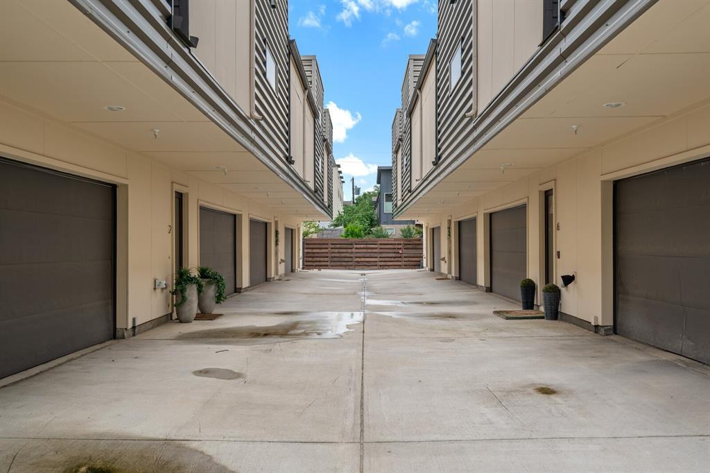 Sold Property | 1833 Euclid Avenue #5 Dallas, Texas 75206 2