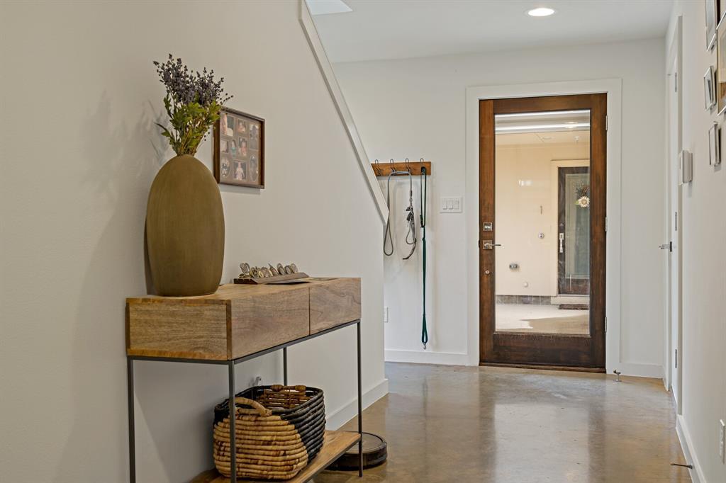Sold Property | 1833 Euclid Avenue #5 Dallas, Texas 75206 3
