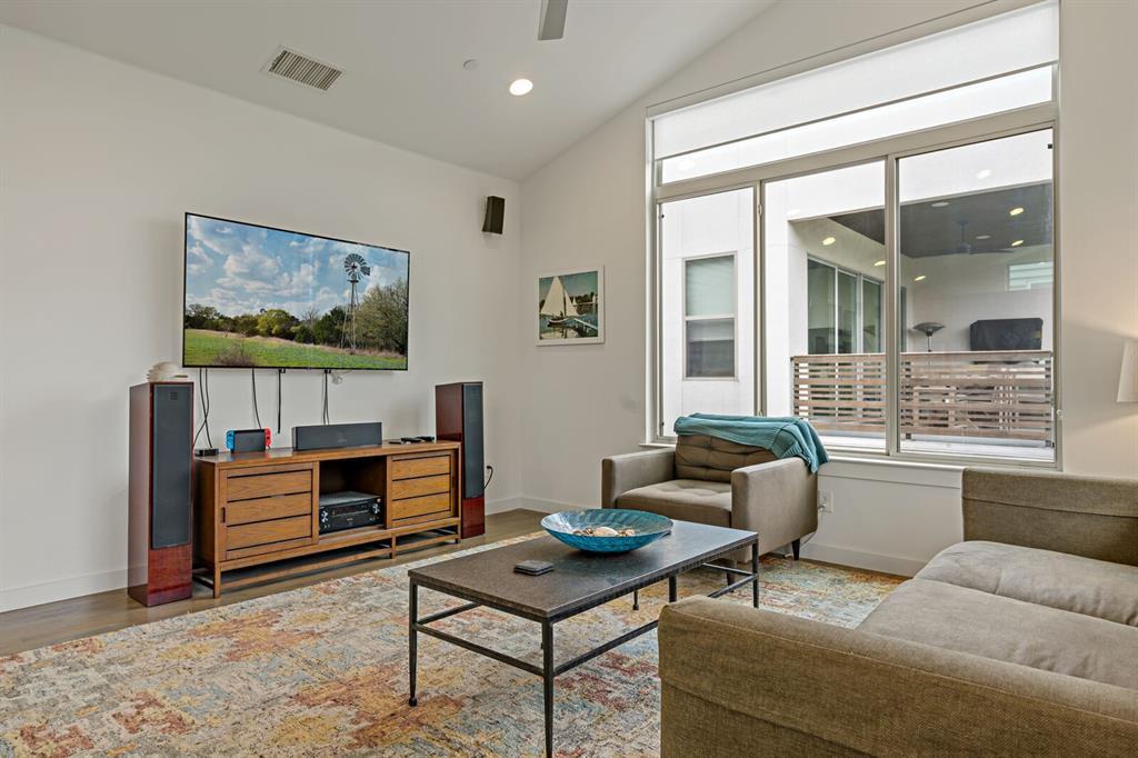 Sold Property | 1833 Euclid Avenue #5 Dallas, Texas 75206 6