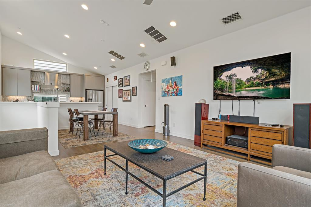 Sold Property | 1833 Euclid Avenue #5 Dallas, Texas 75206 8