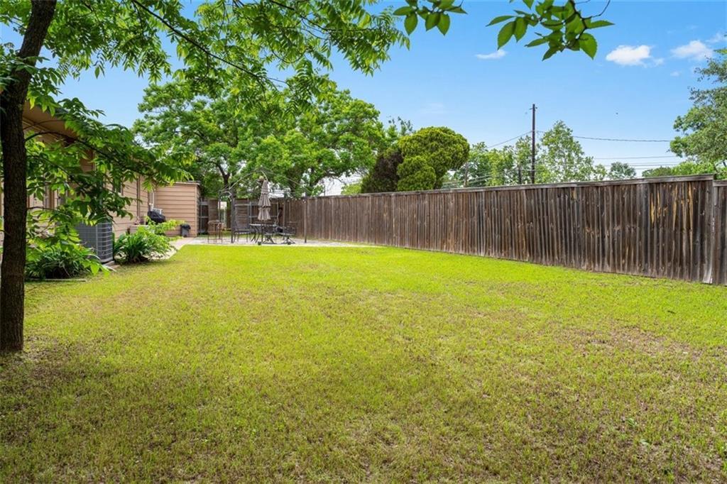 ActiveUnderContract | 2500 Rosewood Avenue Austin, TX 78702 17