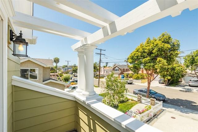 Active   1038 Avenue D Redondo Beach, CA 90277 31