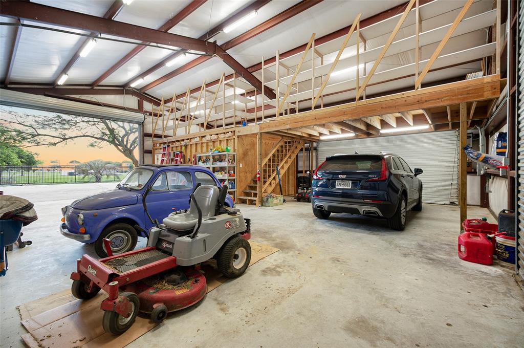 Active | 1919 Dellore Lane League City, Texas 77573 44