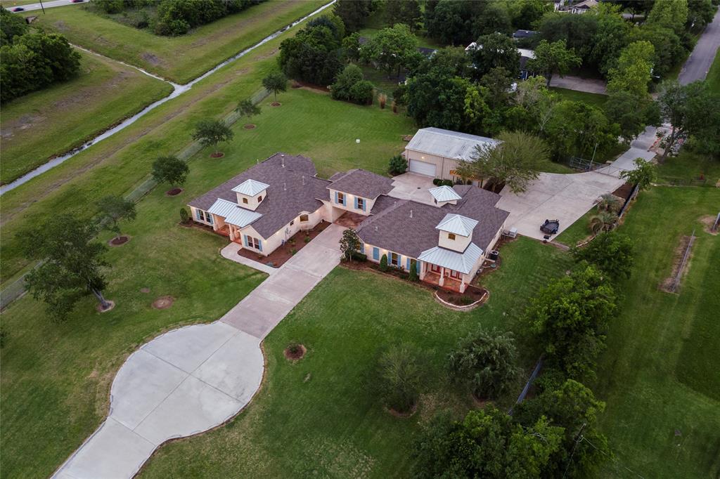 Active | 1919 Dellore Lane League City, Texas 77573 48