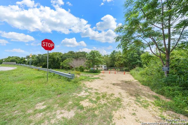 Active   2086 E ASHLEY RD San Antonio, TX 78214 16
