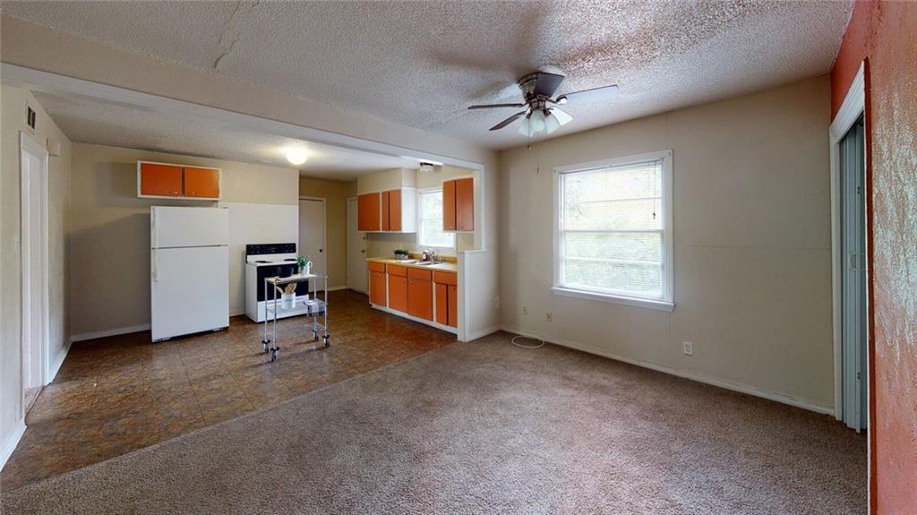 Active   1610 Massey Street Killeen, TX 76541 6