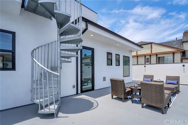 Active | 242 S Broadway Redondo Beach, CA 90277 33