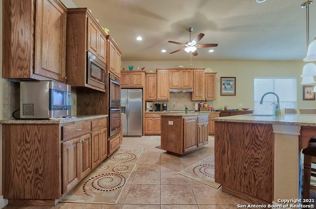 Pending SB | 2503 KLEMM ST New Braunfels, TX 78132 18