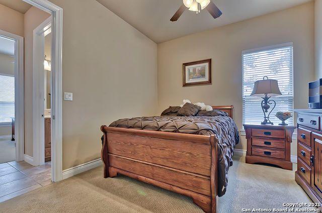 Pending SB | 2503 KLEMM ST New Braunfels, TX 78132 36