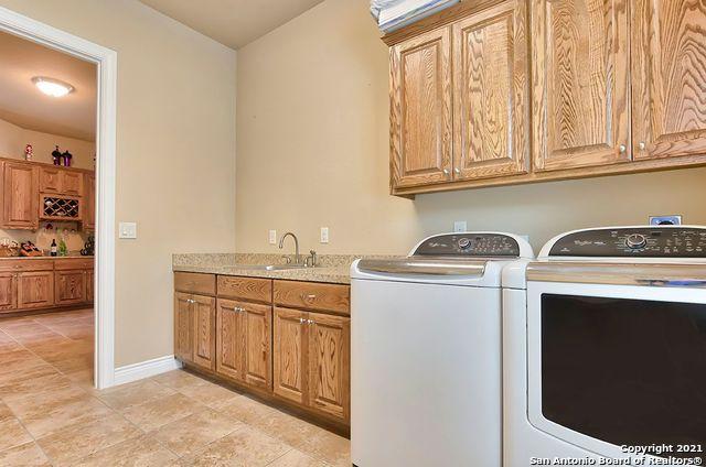 Pending SB | 2503 KLEMM ST New Braunfels, TX 78132 37