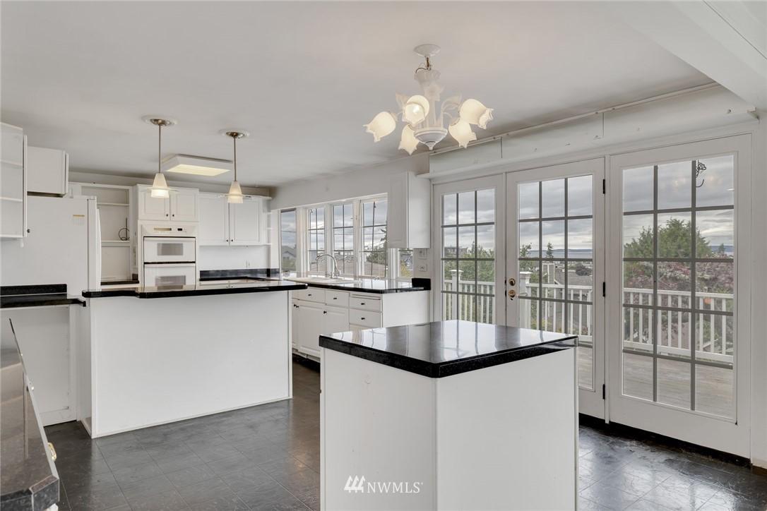 Sold Property | 520 Magnolia Lane Edmonds, WA 98020 4