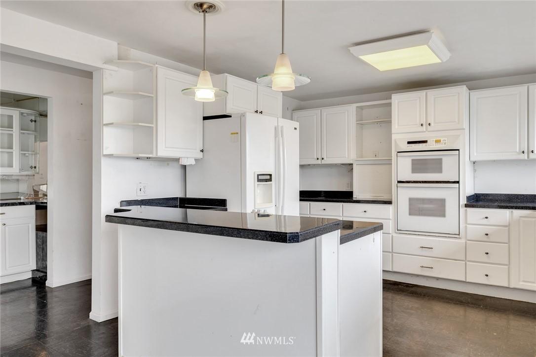 Sold Property | 520 Magnolia Lane Edmonds, WA 98020 6