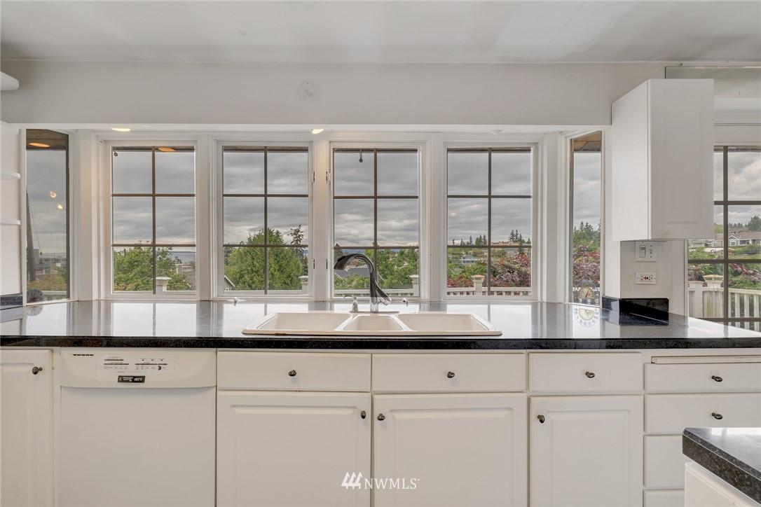Sold Property | 520 Magnolia Lane Edmonds, WA 98020 5