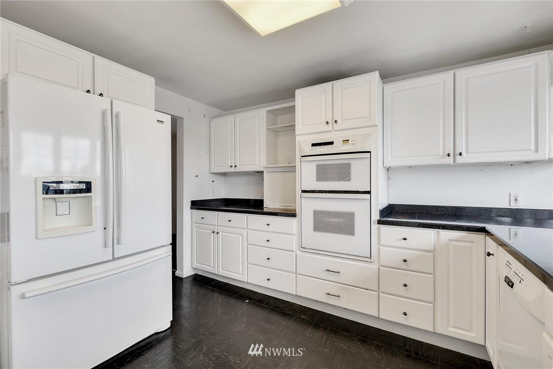 Sold Property | 520 Magnolia Lane Edmonds, WA 98020 7