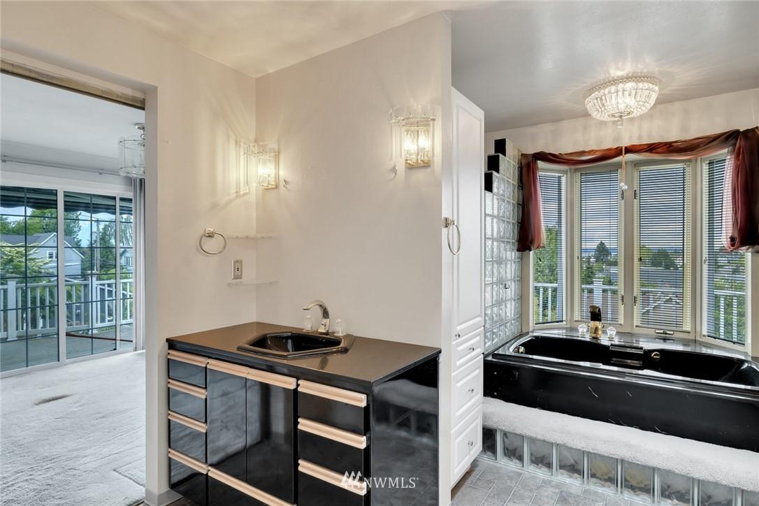 Sold Property | 520 Magnolia Lane Edmonds, WA 98020 17