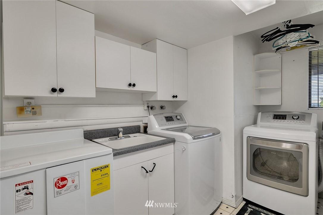 Sold Property | 520 Magnolia Lane Edmonds, WA 98020 24