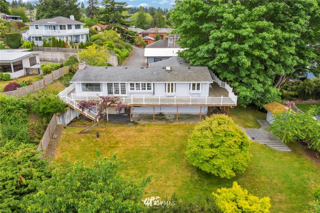 Sold Property | 520 Magnolia Lane Edmonds, WA 98020 2