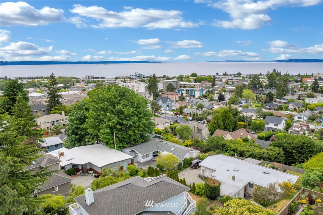 Sold Property | 520 Magnolia Lane Edmonds, WA 98020 1