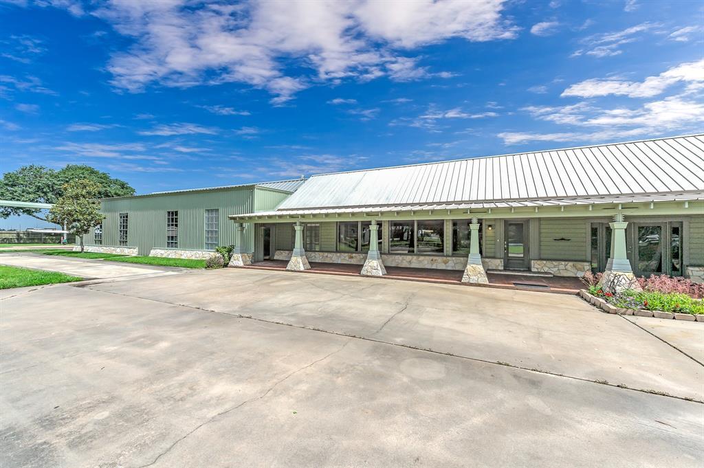 Off Market | 39 E Kitty Hawk Street Richmond, Texas 77406 2