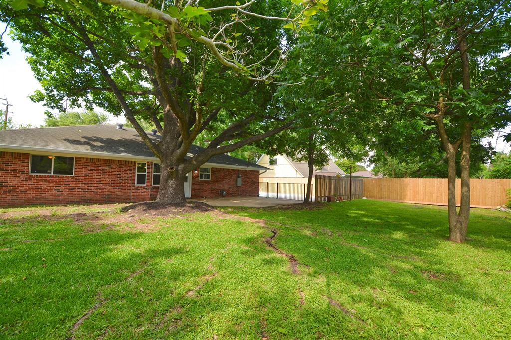 Active   709 E Lambuth Lane Deer Park, Texas 77536 22