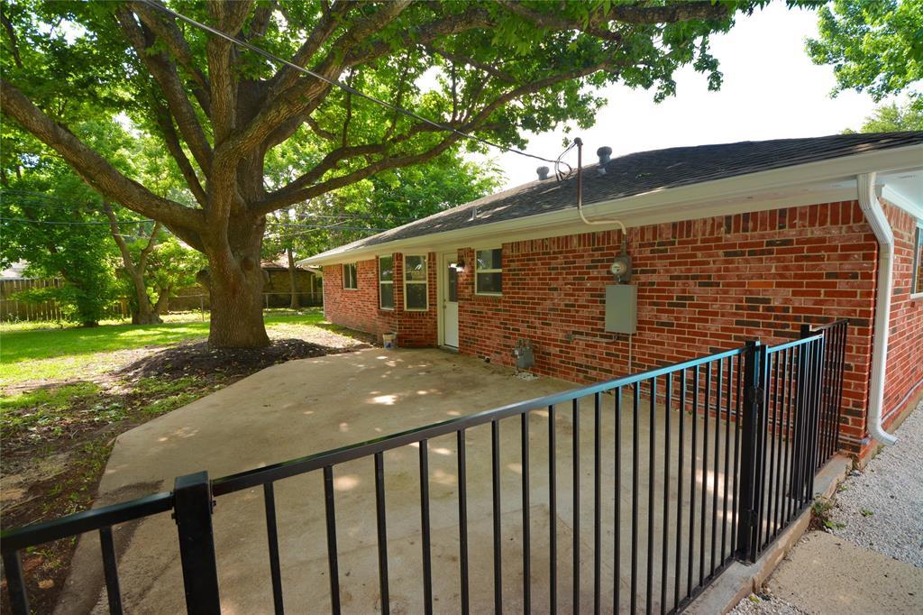 Active   709 E Lambuth Lane Deer Park, Texas 77536 23