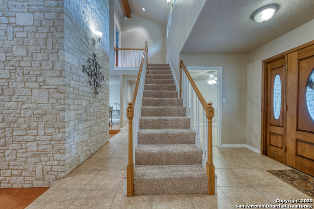 Active RFR | 106 MISSION DR New Braunfels, TX 78130 24