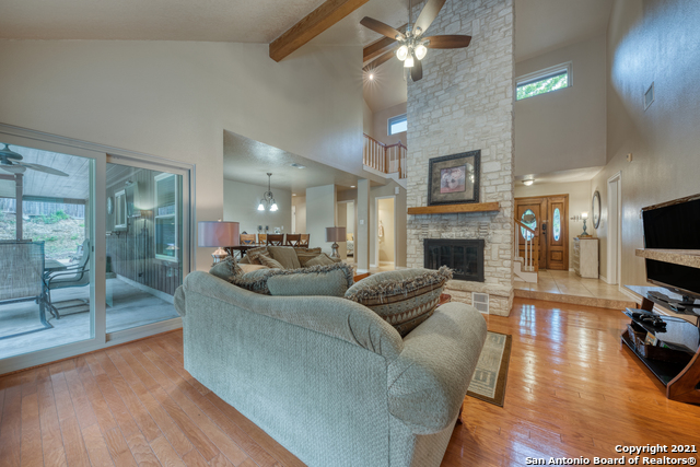 Active RFR | 106 MISSION DR New Braunfels, TX 78130 7