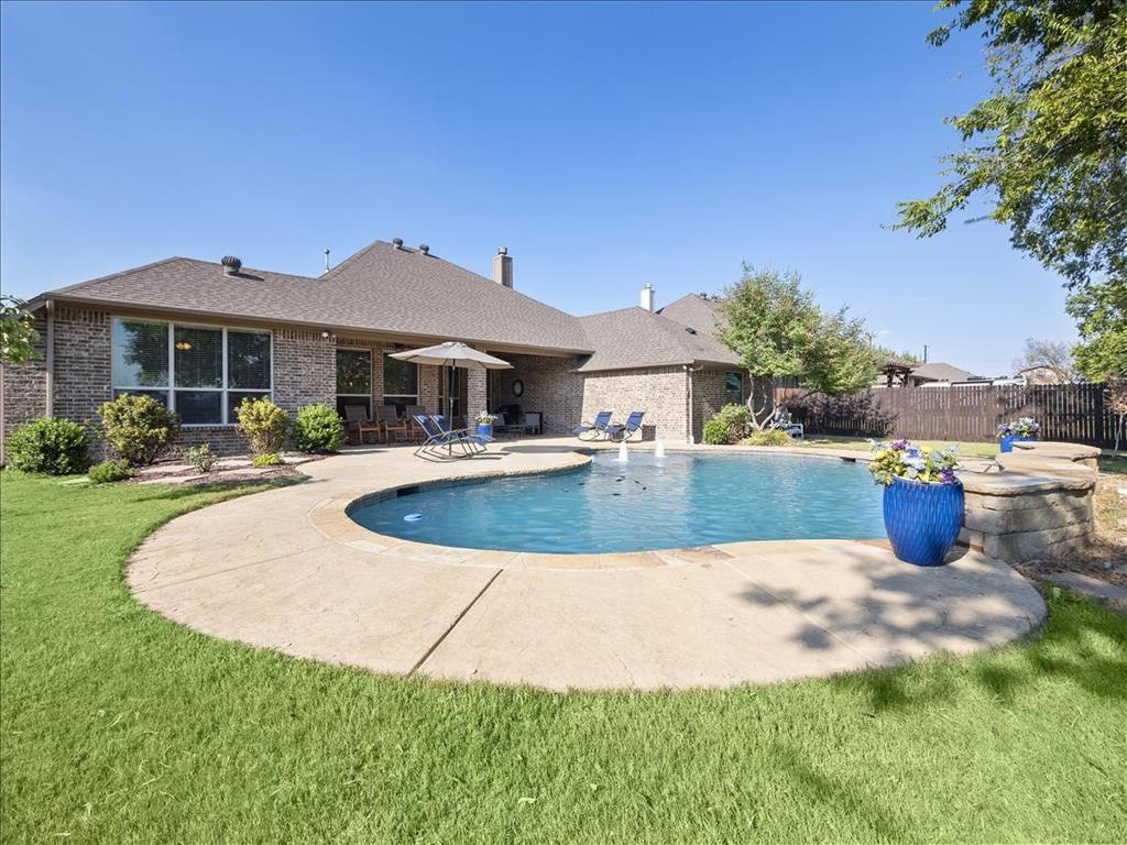Pending | 113 Aledo Glen Court Aledo, Texas 76008 32